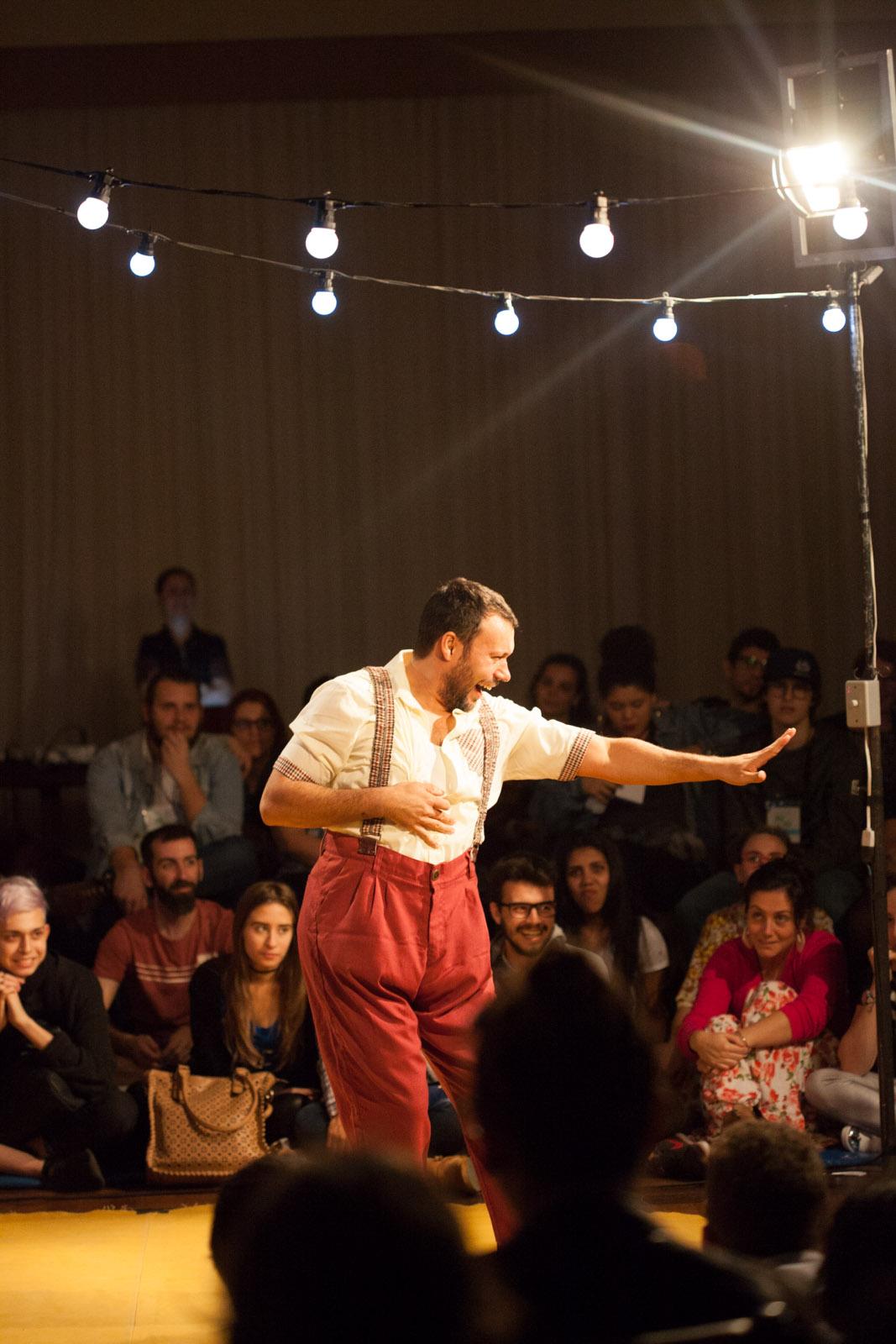 O Feliz (Detalhe Teatro/Blumenau)