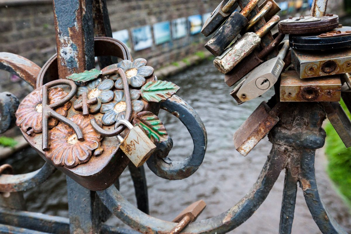 Lockers on the bridge, a lover's tradition in Europe