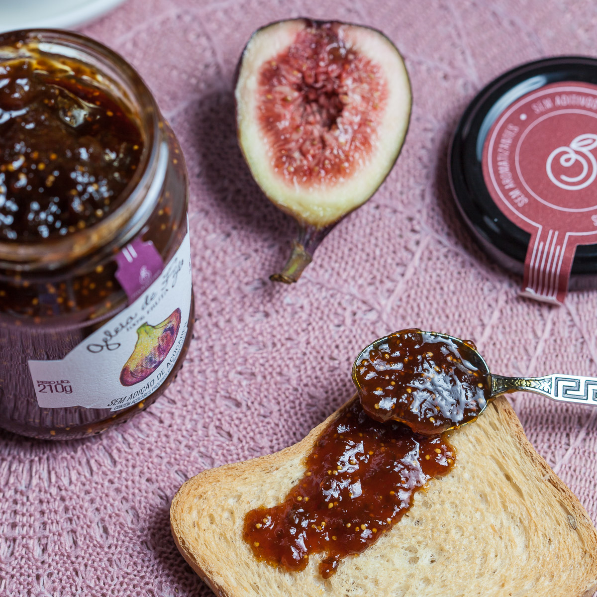 Figs and fig jam with toast