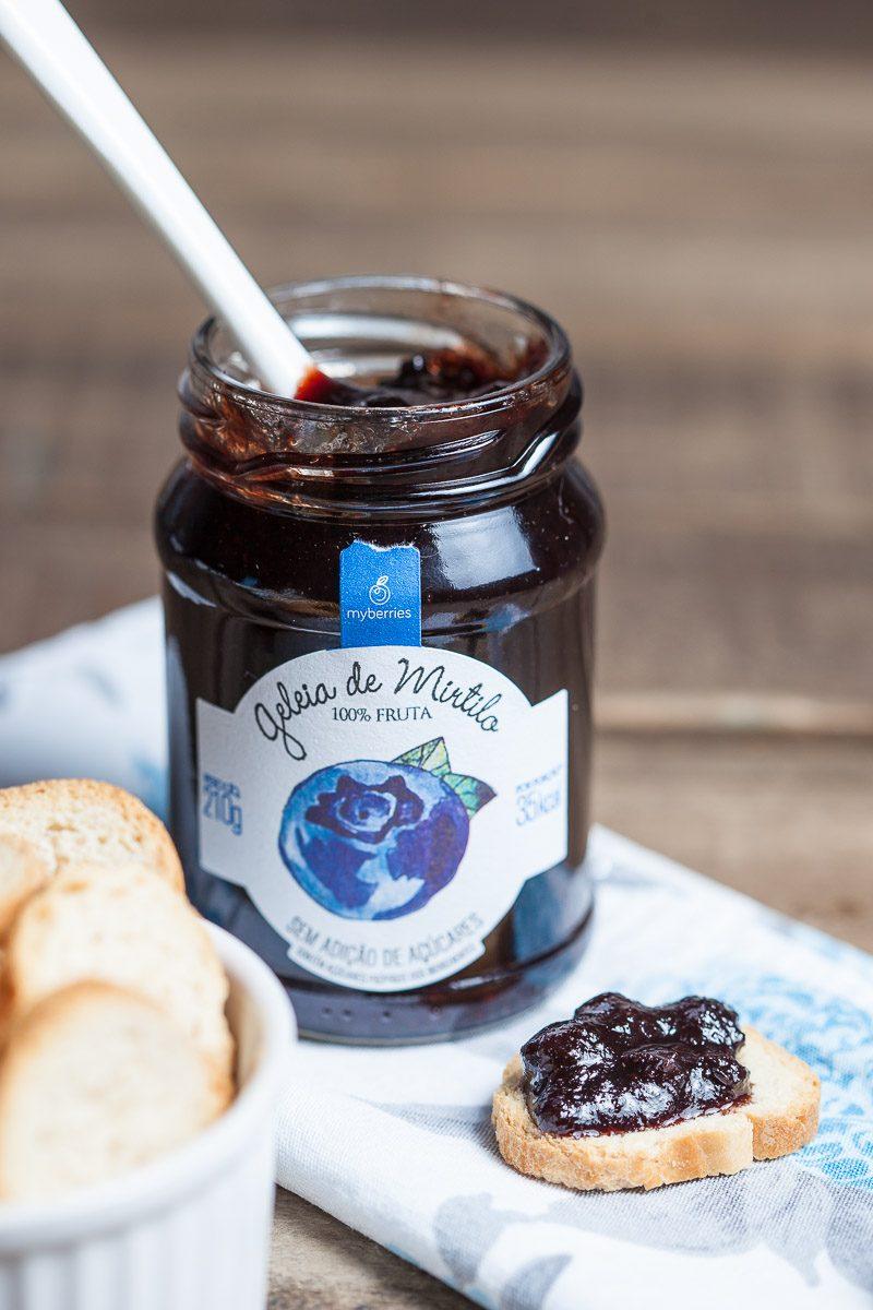 Geleia de Artesanal de Mirtilo em torradinha da My Berries